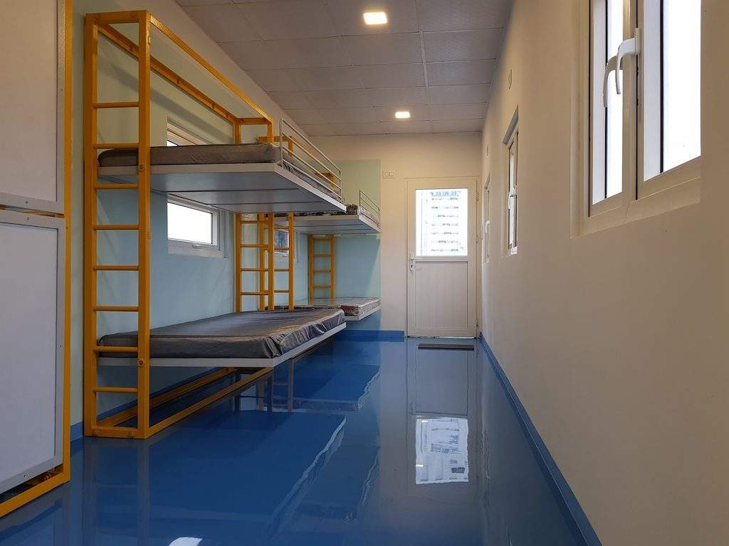 Accomodation in container 10