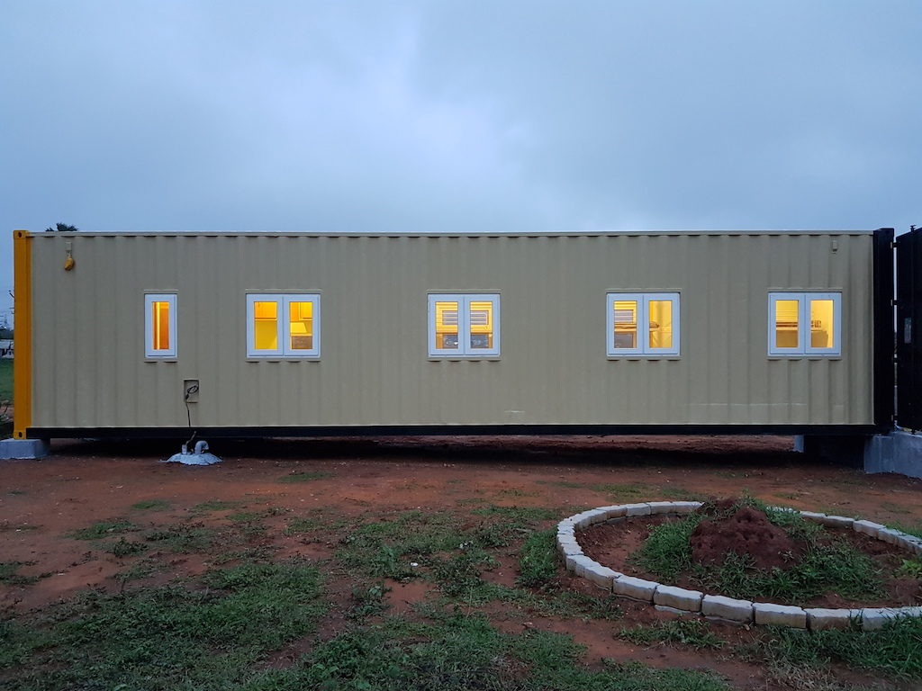 Accomodation in container 16